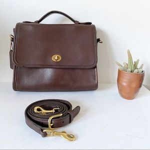 Vintage Coach Court Leather Crossbody Brown 9870